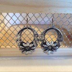 Silver Black Flower Fashion Earrings